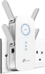 TP-Link RE650 AC2600 Range Extender: Best for the widest coverage of up to 14000 square feet of BT internet