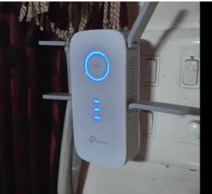 Best Wi-Fi Extenders for Spectrum in action: TP-Link AC2600