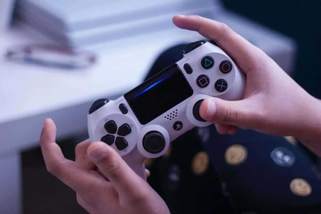 Is 400Mbps fast for gaming? Is it possible to have multiple gaming devices on 400Mbps internet? Yes, you can enjoy gaming, 4K streaming, online meetings, and other activities on 400Mbps ISP internet plan
